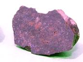 Tři dosud nalezené meteority Benešov. Zleva meteorit 1 klasifikován jako H5