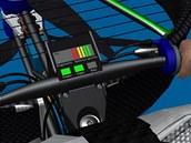 Ovládací panel létajícího kola. Jak je patrné, bez dobíjení ze sítě ním
