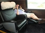 Absolutní luxus elektricky nastavitelných sedadel Premium třídy. Takové pohodlí