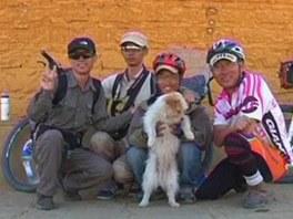Pes-běžec doprovázel cyklisty a uběhl necelé dva tisíce kilometrů