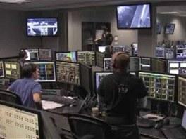 Řídící centrum po úspěšeném startu první soukromé lodi k ISS