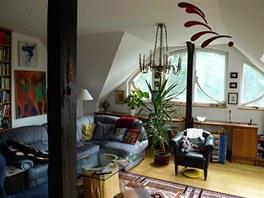 Provedení rekonstrukce a vybavení bytu odpovídá době vzniku, tedy před 15 lety.