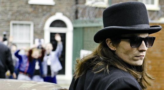 Irský herec Martin McCann ve filmu Je třeba zabít Bona