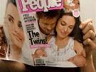 Brad Pitt a Angelina Jolie s dvoj�aty na ob�lce �asopisu People