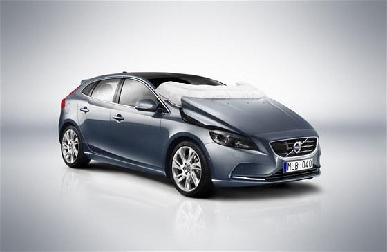 Nov� airbag pro ochranu chodc�, kter� dostane Volvo V40