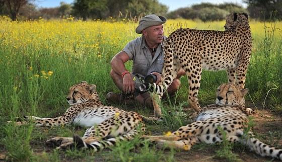 Dostaveníčko s gepardy v Namibii