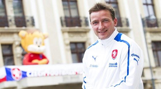 Vladimír Šmicer před hotelem Metropol v polské Vratislavi.