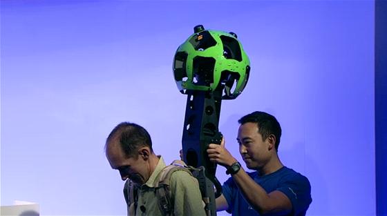 Nový batůžek s přenosným kamerovým systémem umožní zachytit podklady pro Street