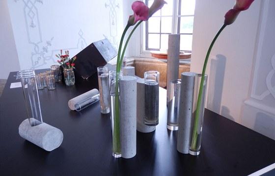 Patrik Illo a jeho kolekce váz bet-OM