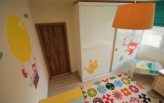 I lustr byl vyrobený na míru, aby barevně ladil s dalším zařízením.