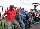 Fanoušci Brna se sešli u trosek fotbalového stadionu Zbrojovky, když slavili