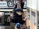 Libereck� obchodn� d�m Forum hostil neoby�ejnou show na motork�ch. Nesch�zeli