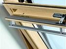 Součástí střešního okna Velux je ventilační klapka, díky které proudí vzduch do