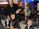 Leoš Mareš se svými syny