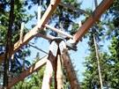 Výstavba stezky korunami stromů na Kramolíně u Lipna nad Vltavou, detail