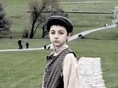 """Film """"105"""" vypráví o osudech dětí z Lidic. V dokumentu se objevují hrané scény,"""