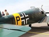 Na víkendovou Aviatickou pouť přiletěl z Británie Bücker Bü 181, válečný školní...