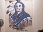 Vazební věznice v Teplicích, podobizna indiána nad vchodem na vycházkový dvůr