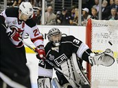 Jonathan Quick, brank�� Los Angeles, vychytal ve t�et�m fin�le Stanley Cupu