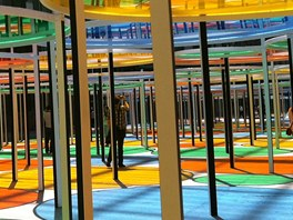 Pohled do Grand Palais s instalac� Daniela Burena