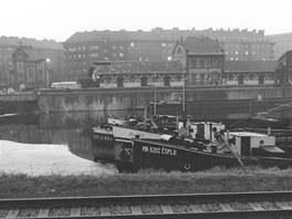 Jan Reich: Holešovice - přístav (1979, z cyklu Mizející Praha)