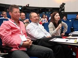 Porotci StarCube: zprava Sandra Kumorowski (Columbia College Chicago), Jiří Krechl (CzechInvest) a JD (meebee.com)