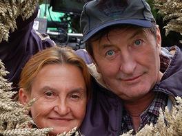 Eva Holubová a Bolek Polívka během natáčení filmu Cesta do lesa