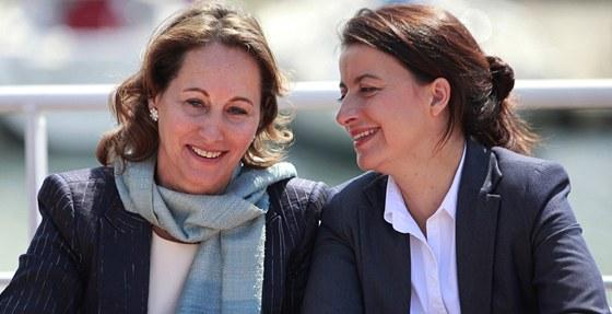 Socialistick� kandid�tka Segolene Royalov� s Cecile Duflotovou, ministryn�