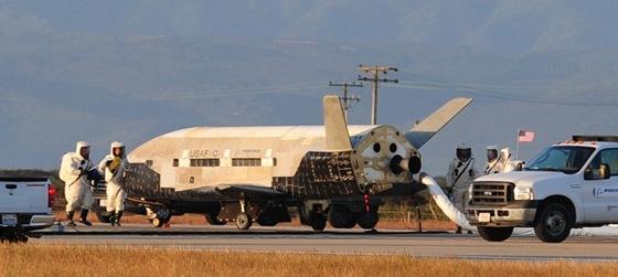 Miniraketopl�n X-37B po p�ist�n� 16.6.2012. Ve vesm�ru str�vilo plavidlo 468