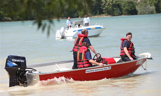 Pátrání po pohřešovaném muži na přehradě Rozkoš (18. června 2012)