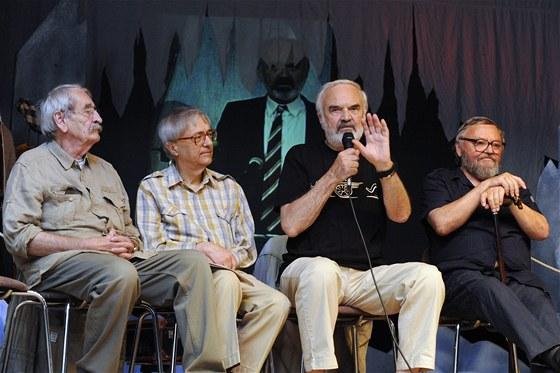 Herci Divadla Járy Cimrmana (zleva) Jaroslav Weigel, Miloň Čepelka, Zdeněk