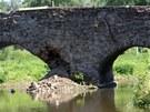 Historický most v přibyslavské místní části Ronov nad Sázavou poškodily na jaře...