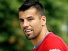 Milan Baroš odchází z nedělního tréninku.