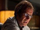 Dr. Connorse, který se proměňuje v ošklivou ještěrku, hraje Brit Rhys Ifans,...