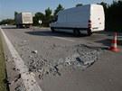 Poškozená rychlostní silnice R35 u Lipníka nad Bečvou