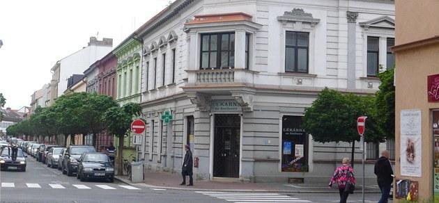 Rohy Smilovy a Sladkovského ulice v Pardubicích, kde se Alfréd Barto� zast�elil