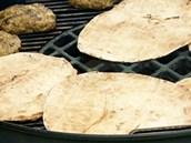Arabský chléb jen lehce ohřejte.