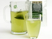 Sáčkovaný kvalitní práškový čaj matcha ve směsi s čajem typu kabusé je
