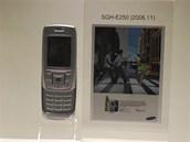 Modely Samsung, kter�ch se prodalo v�ce ne� 10 milion� kus� - SGH-E250 (2006)
