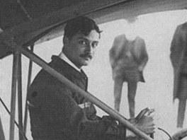 Roland Garros za řízením letounu Santos Dumont Demoiselle