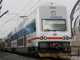 Nov� spojen� - CityElefant jede z Libn� na Masarykovo n�dra��.
