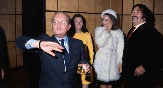 Truman Capote byl hv�zdou no�n�ho �ivota. Jeho talent na to dopl�cel.