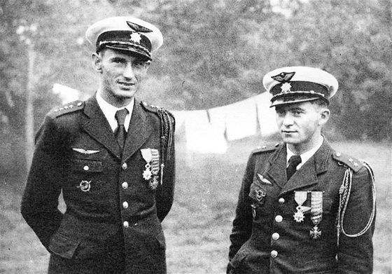 Alois Vašátko a František Peřina, dva nejúspěšnější českoslovenští stíhači v