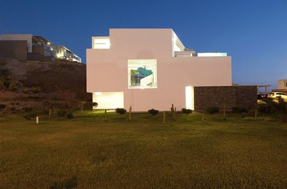 Stavbu navrhli architekti Riofrio a Rodrigová ze studia RRMR.