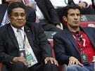 LEGENDY V HLEDIŠTI. Slavné osobnosti portugalského fotbalu: Eusebio (vlevo) a...