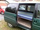 Takto upraveným autem se Jiří vydal na dovolenou do Itálie.