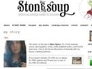 July Clancyová má gastronomické vzdělání, psát se ale učila sama.