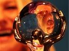 Zahájení karlovarského festivalu 2012 - britská herečka Helen Mirrenová s cenou