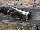 Nehoda českého autobusu na chorvatské dálnici A1, při níž zahynulo osm lidí a...