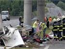 Nehoda �esk�ho autobusu s 50 cestuj�c�mi nedaleko tunelu Sveti Rok na